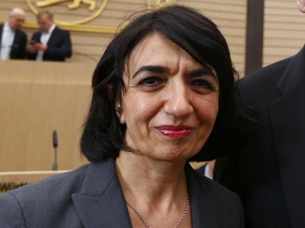 muhterem aras wanita muslim pertama jabat ketua parlemen jerman
