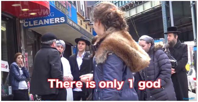 Eksperiman Sosial Keakraban Pemuda Muslim dan Yahudi Jalan Bareng di Keramaian