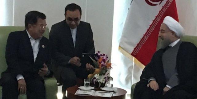 Wakil Presiden Indonesia dengan Presiden Iran di sela-sela KTT Gerakan Non Blok, di Pulau Margarita, 18 September 2016