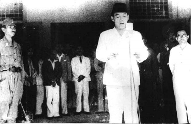 proklamasi-kemerdekaan-indonesia-17-agustus-1945