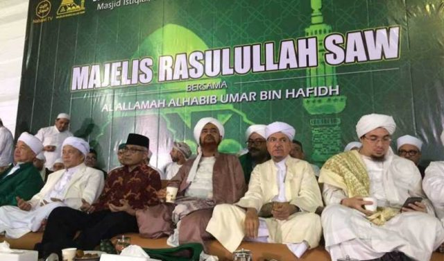 pesan-habib-umar-bin-hafidz-dalam-tabligh-akbar-majelis-rasulullah-saw-2016