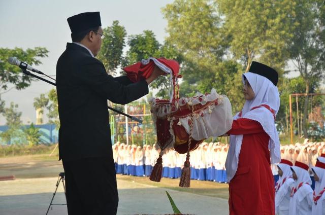 Al-Ustadz-Ahmad-Suharto-Indonesia-Dimerdekakan-dengan-Pekikan-'Allahu-Akbar'-1