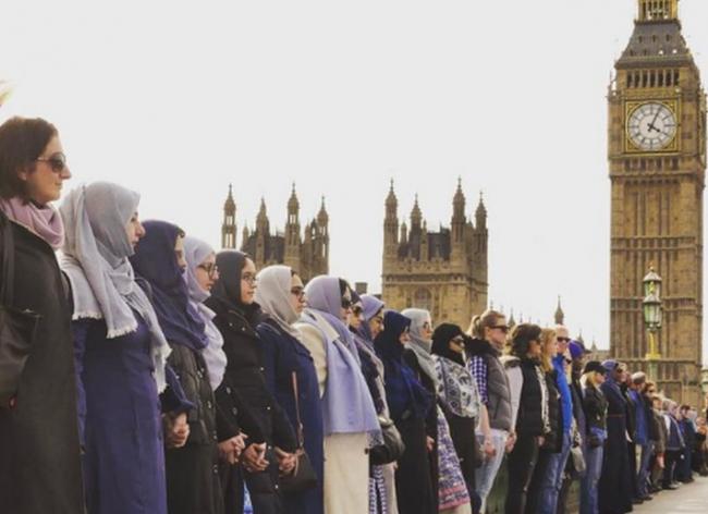 Aksi Solidaritas Warga Muslimah Inggris untuk Korban Teror London Tuai Simpati