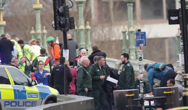 Aksi Teror Guncang Kawasan Gedung Parlemen Inggris