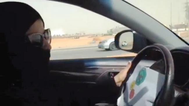 Apa Penyebab Tiap Tahun Ribuan Perempuan 'Kabur' dari Saudi