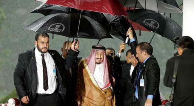Di Balik Diplomasi Gemerlap Saudi