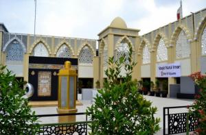Kemegahan Masjid Nurul Iman di Lantai Tujuh Pusat Perbelanjaan