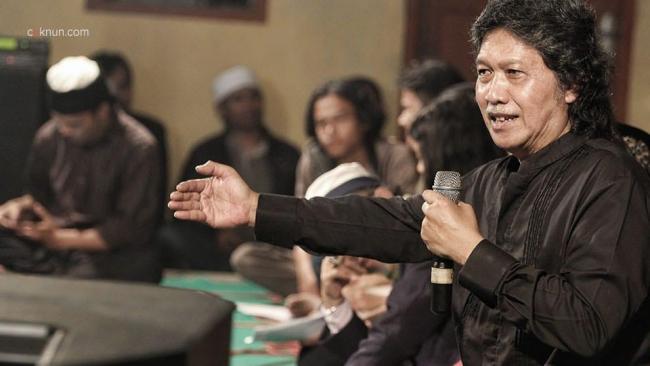 Cak Nun Indonesia Kacau, Negara Gagal Ayomi Rakyatnya