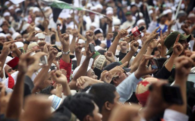 Tamasya Al Maidah di Tengah Pro-Kontra