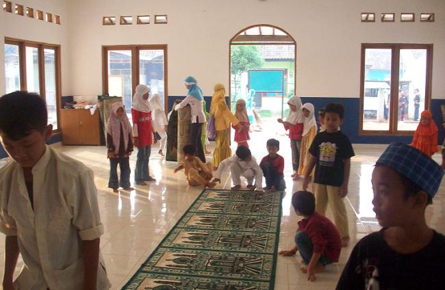 Gerakan Madrasah Peduli Masjid, Aksi Bersih-Bersih Masjid Jelang Ramadan