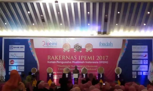 Hadiri Rakernas Pengusaha Muslimah, Menaker Sebut 3 Masalah Utama Indonesia