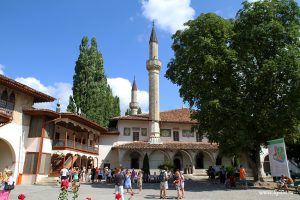 khans-palace-bakhchisaray-crimea-ukraine-1