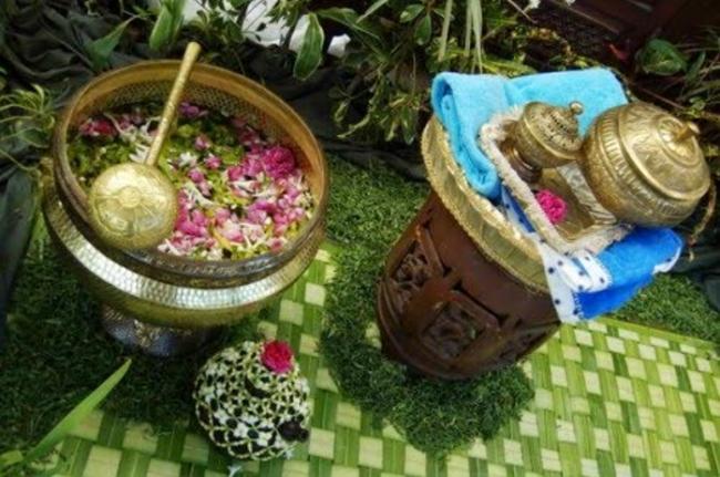 KhasiatTersembunyi Mandi Kembang dalam Tradisi Jawa