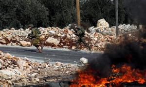 Potret Keberanian Anak Palestina Lawan Tentara Zionis Israel 3