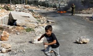 Potret Keberanian Anak Palestina Lawan Tentara Zionis Israel 4