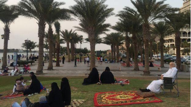 Keberadaan Mutawa di area publik menjadi berkurang setelah Muhammad bin Salman menerapkan kebijakan reformasi sosial. Photo: BBC