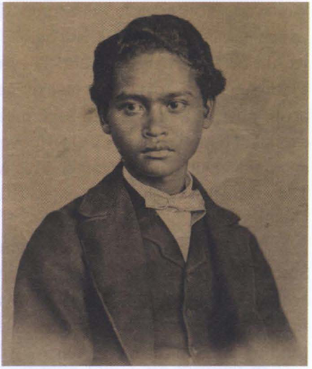 Satu-satunya photo Ali ketika dipotret di Singapura tahun 1862 mengenakan pakaian Eropa. Photo: Courtesy of the Natural History Museum, London.