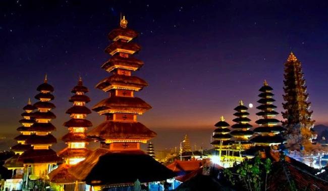 Gerhana Bulan di Bali Muslim Shalat Gerhana, Umat Hindu Upacara Purnama