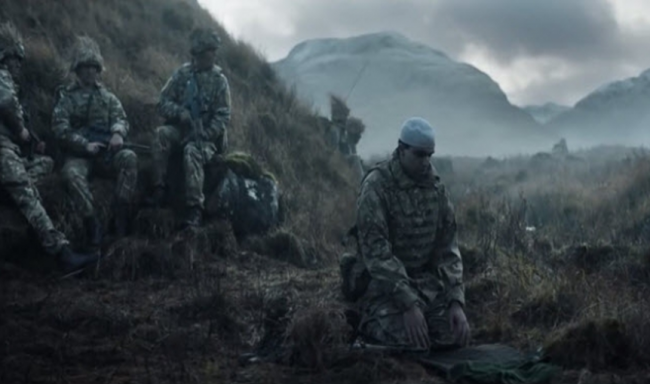 Iklan Unik AD Inggris Tentara Muslim Shalat Di Medan Perang