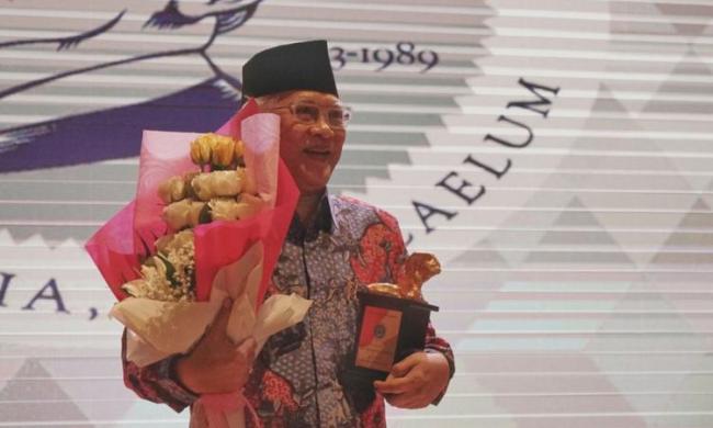 Terima Yap Thiam Hien Award, Gus Mus Indonesia Tanah Air Mata