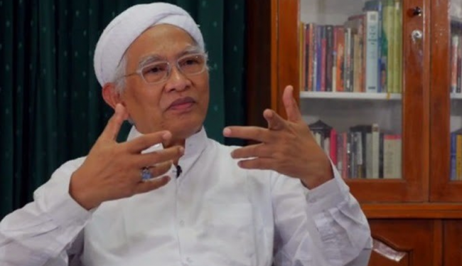 Gus Mus Wong Pesantren Kok Arep Melu-Melu Nyikat 'Wong Sesat'