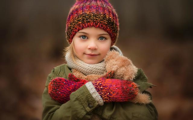 KISAH — Gadis Kecil Berhati Emas