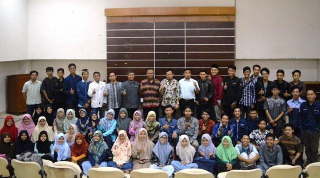 Komitmen Santri Berprestasi Jaga Islam Indonesia
