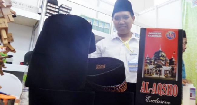 Bisnis Peci Jelang Ramadhan, Santri di Pesantren ini Bisa Raih Upah Sejuta Perbulan