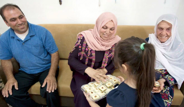 Kemenangan Bersejarah Rashida Dirayakan Keluarganya di Palestina
