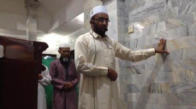 Video Imam Shalat Tetap Tenang Saat Gempa Ini Mendadak Viral