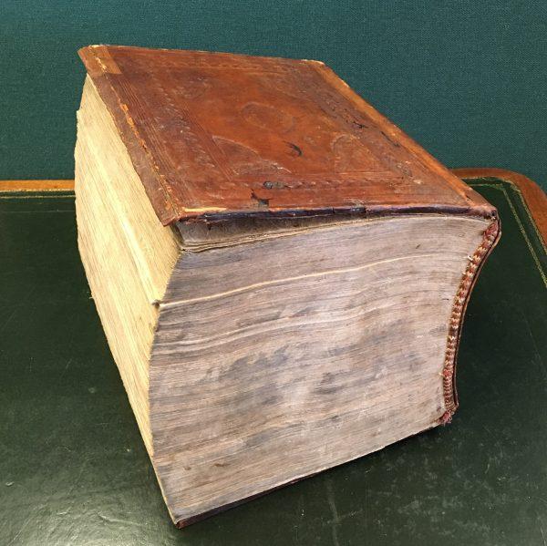Menak Amir Hamza versi ketiga yang khusus dibuat untuk Ratu Ageng, istri Sultan Hamengku Buwono I. Terdiri lebih dari 3.000 halaman.