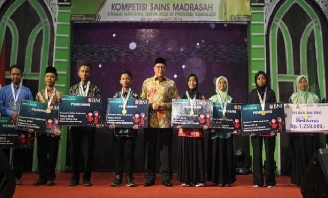 Kontingen Jatim Sabet Juara Umum Kompetisi Sains Madrasah 2018