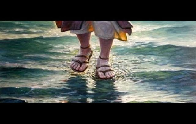 Kisah Dua Darwis dan Kemampuan Berjalan di Atas Air