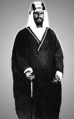 Imam Wahhabi Abdulaziz, atau oleh dunia Barat dikenal dengan sebutan Ibnu Saud pada tahun 1911. Foto: riyadhvision