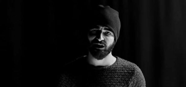 Ibrahim Ghunaim atau Mc Gaza berpose dalam salah satu video klipnya yang berjudul Yaba. Photo: Ibrahim Ghunaim