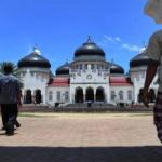 Lima Keutamaan Jalan Kaki dan Salat Berjemaah ke Masjid