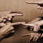 KISAH - Gemar Mencela Orang, Jatuh Dalam Cela Sendiri
