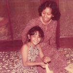 Mamaku Perempuan Luar Biasa: Kisah Perjalanan Chicha Koeswoyo Memeluk Islam (2)