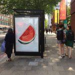 Reklame dengan Gambar Semangka Bertebaran di London sebagai Bentuk Dukungan terhadap Palestina. Tapi Mengapa mesti Gambar Semangka?